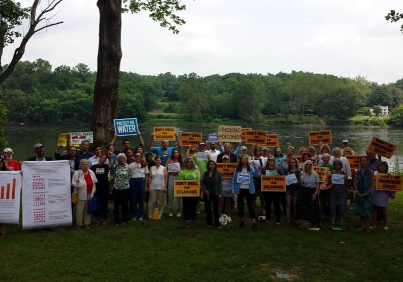 Anti-fracking-protestors-at-the-DRBC-6.14.17